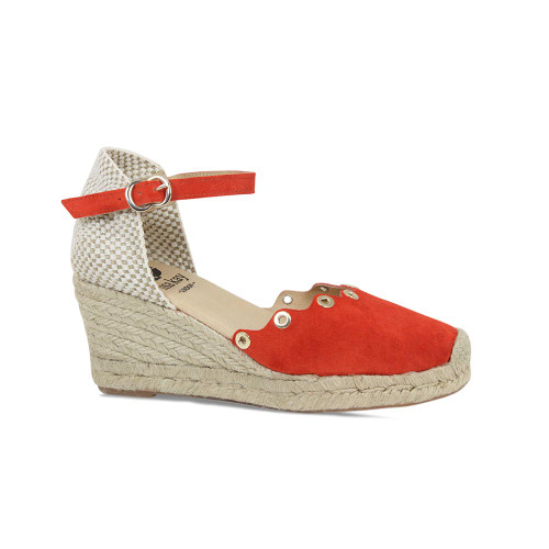 Priscilla: Red Suede