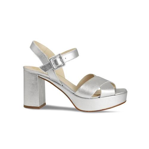 Robina: Silver Leather
