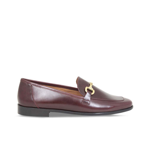 Woman's Classic Bordeau Leather Loafer