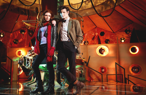 Doctor Who: 17 x 11 Inch Print - 11th Doctor (Matt Smith) with Amy Pond (Karen Gillan) in the TARDIS