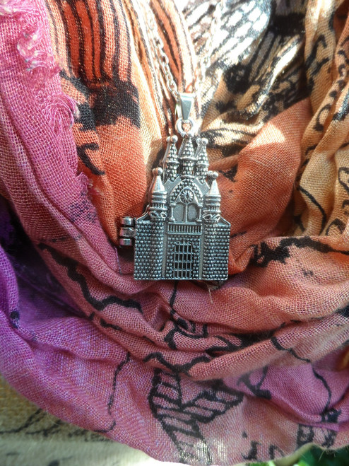 Harry Potter: HOGWARTS CASTLE Pendant Necklace