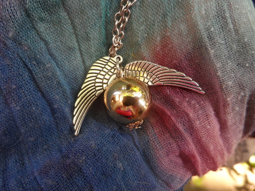 Harry Potter: GOLDEN SNITCH Pendant Necklace