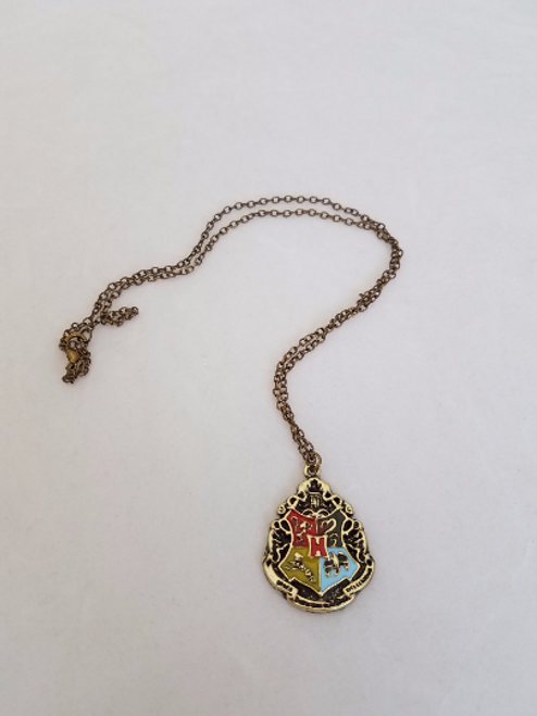 Harry Potter: HOGWARTS CREST Pendant Necklace