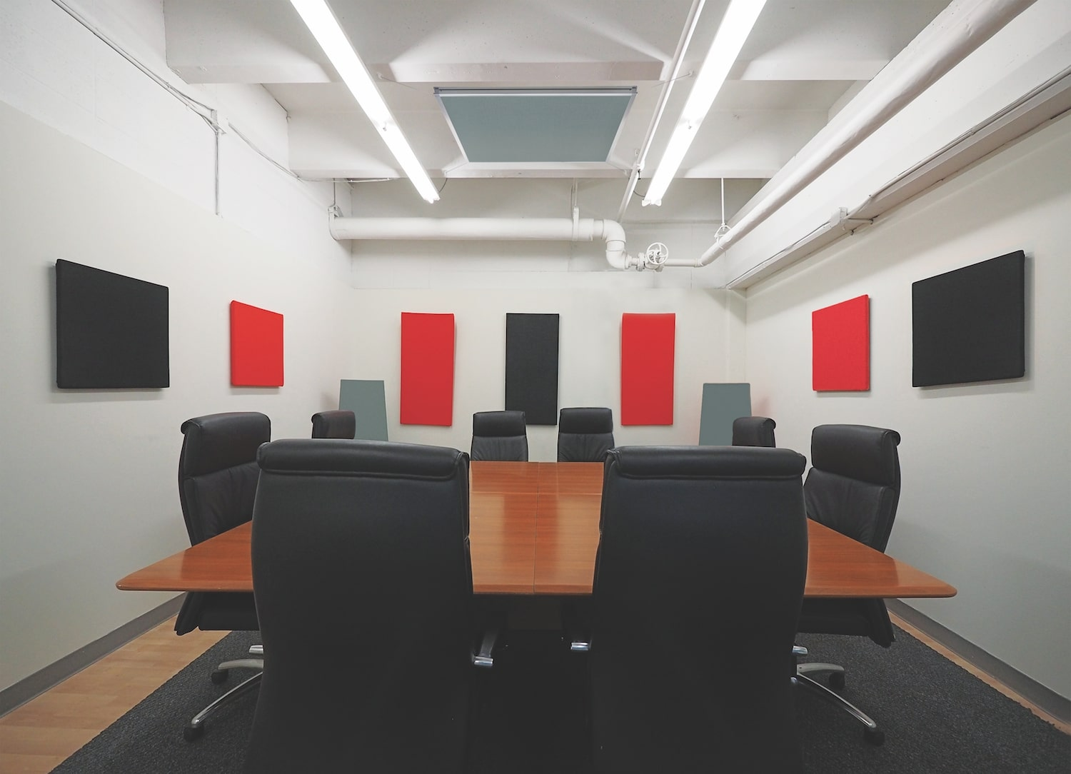 Office Wall Decor Ideas: Professional Decoration Tips