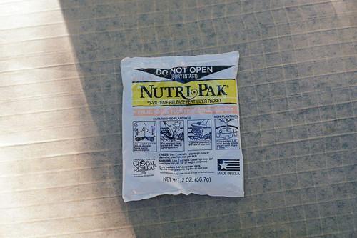 Nutri-Pak Fruit & Flowering Tree/Shrub Fertilizing Packet