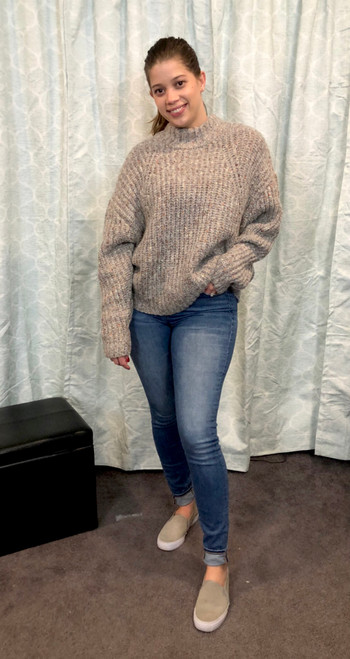 """Store Item #80634414 Women's Mock Turtleneck Pullover Sweater """"I am 5'8"""" and I wear a 36C bra size. I am 28"""" at the waist and 42"""" around the hips. this cute sweater is very comfortable and love the colors. it is neutral and can be worn with taupes, browns or black tones. style with jeans or leggings along with boots, heels or gym shoes. so versatile!. This item does not have pockets. I received an incentive to write this review. Hope it helps you!"""" Shop this item at https://www.target.com/"""