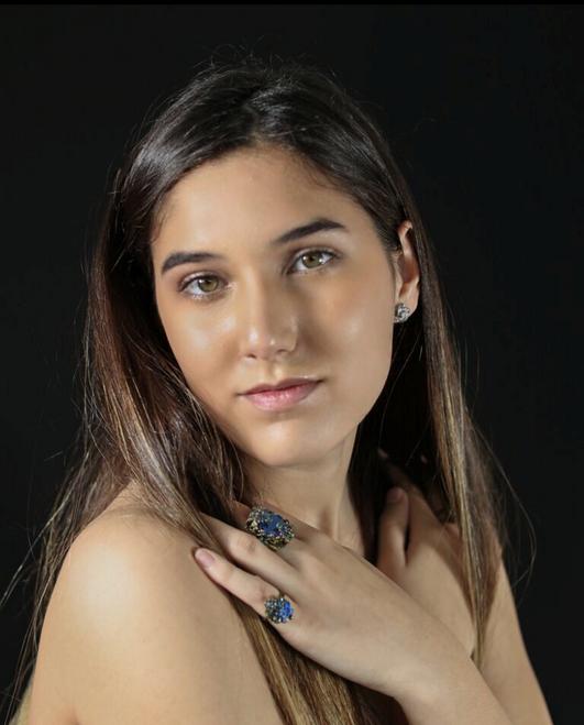 Claudia S.
