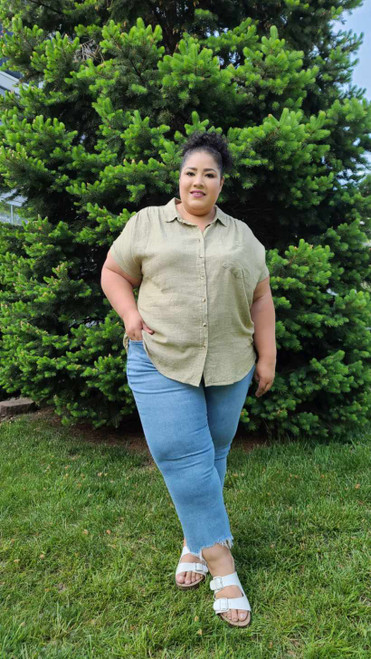 """Target Item #82181088 Women's Plus Size Short Sleeve Button-Down Shirt  """"I am 5'6"""" and I wear a 48G bra size. I am 48"""" at the waist and 60"""" around the hips. i've never seen a button up with outside and inside buttons at the bust to keep it from not puckering or opening up. that was pretty cool! this linen top is really lightweight and perfect for this hot chicago summer heat! . This item does not have pockets. I received an incentive to write this review. But this is my honest review. Hope it helps!"""" Shop this item at https://www.target.com/"""
