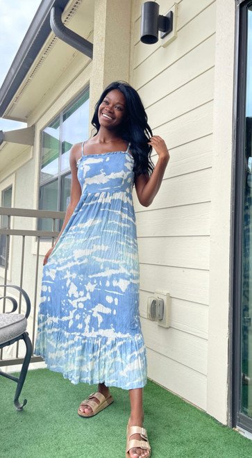 """Store Item #82172006 Women's Sleeveless Tiered Dress """"I am 5'7"""" and I wear a 32B bra size. I am 26"""" at the waist and 36"""" around the hips. i love a casual maxi dress! this dress reminds me of floating on clouds and that's exactly how i feel wearing it!! it's so light weight and perfect for summer despite its length. i just pair this with some slip on sandals but i would totally dress this up with some heels and wear it to like a baby shower or any summer time event.. This item does not have pockets. I received an incentive to write this review. But this is my honest review. Hope it helps!"""" Shop this item at https://www.target.com/"""