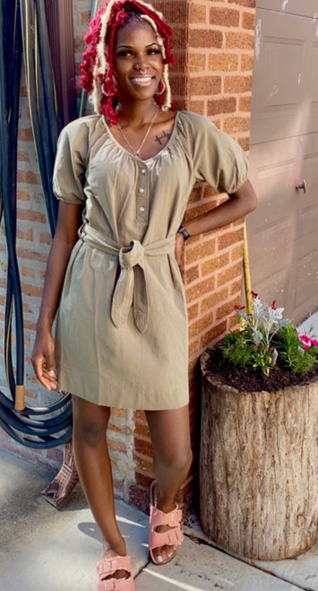 """Shop Item #476723873 Free Assembly Women's Puff Sleeve Shirtdress """"I am 5'8"""". I am 25"""" at the waist and 35"""" around the hips. This shirt dress is perfect for spring, summer or fall. The material is great. I paired this dress with sandals but it would look very nice with some ankle boots or knee high boots as well. This item does not have pockets. I received an incentive to write this review. But this is my honest review. Hope it helps! Shop this item at https://www.walmart.com/"""