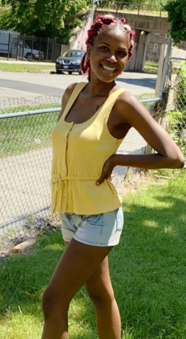 """Shop Item #446143498 Free Assembly Women's Button Front Peplum Tank Top """"I am 5'8"""". I am 25"""" at the waist and 35"""" around the hips. This color looks great on my skin. It's loose fitting. The material is more thicker than I expected but still great. A nice top to wear out to the park. It can also be worn as a casual top to work. This item does not have pockets. I received an incentive to write this review. Hope it helps you!"""" Shop this item at https://www.walmart.com/"""