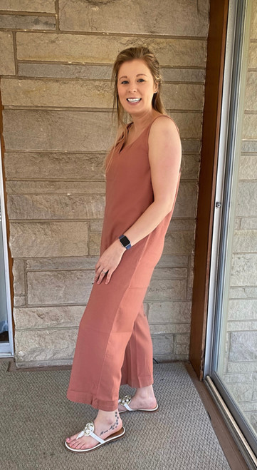 """Store Item #81828190 Women's Sleeveless Cropped Jumpsuit """"I am 5'6"""" and I wear a 34C bra size. I am 27"""" at the waist and 37"""" around the hips. I wasn't the biggest fan of this... The style is cute but it desperately needs a belt at the waist. The fabric was really nice and good quality but overall the fit was bigger than expected and didn't give a great figure. This item has pockets. I received an incentive to write this review. But this is my honest review. Hope it helps!"""" Shop this item at https://www.target.com/"""