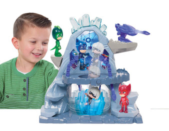 Set includes two figures - Catboy and Luna girl Comes with tons of kid powered features! Helps to develop imaginative play skills JPL95140 Battle the figures in the zero gravity belts Keep intruders away with the Moon Shooter Capture enemies with the Crystal Moon Trap!