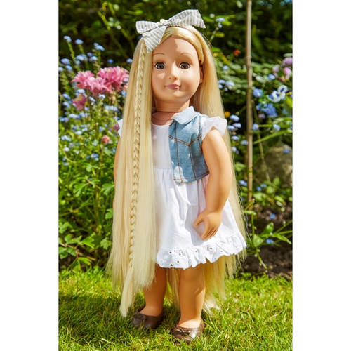 Extendable hair fun Hair guide has simple instructions to create 4 stylish hairdos Doll does not include the Bow! Dimensions: Doll height 46cm Contents: A non poseable 18 inch doll, a comb, 2 hair extensions, 2 clips, a dress, a vest, a pair of underwear, a pair of shoes and a hairstyle booklet Batteries Not Required