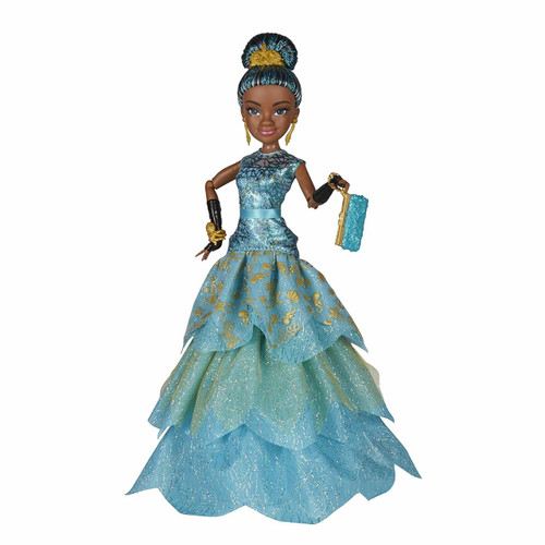 Inspired by Uma in Descendants 2 Imagine getting her ready for the Royal Yacht Ball Look for other Disney Descendants dolls (each sold separately) Includes doll, dress, hair accessory, bracelet, purse, pair of earrings, and pair of shoes.