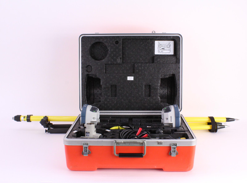 Sokkia GRX2 Dual UHF II Base/Rover Receiver Kit w/ FC-500 Data Collector & Magnet Field Software