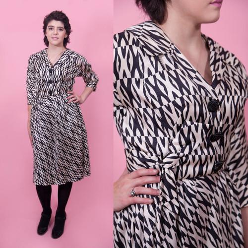 1950's -1960's Silk Op Art Button Down Side Bow Dress