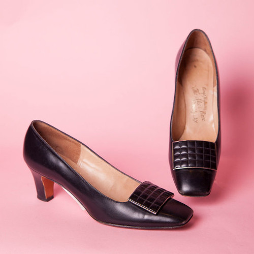 1960's Barefoot Original for The Shoe Box Brooklyn, NY Quilted Clasp Leather Pumps