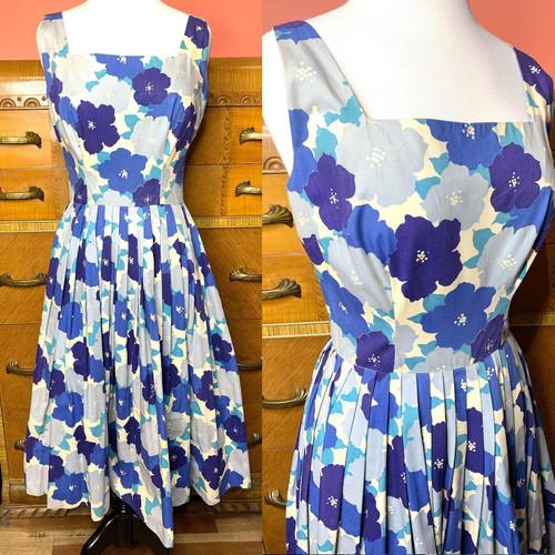1950s Jumbo Floral Cotton Pleated Swing Dress