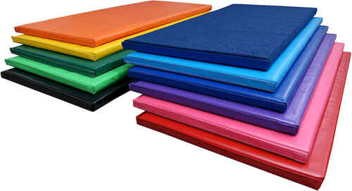 Choose from 10 colors and a Carpeted option