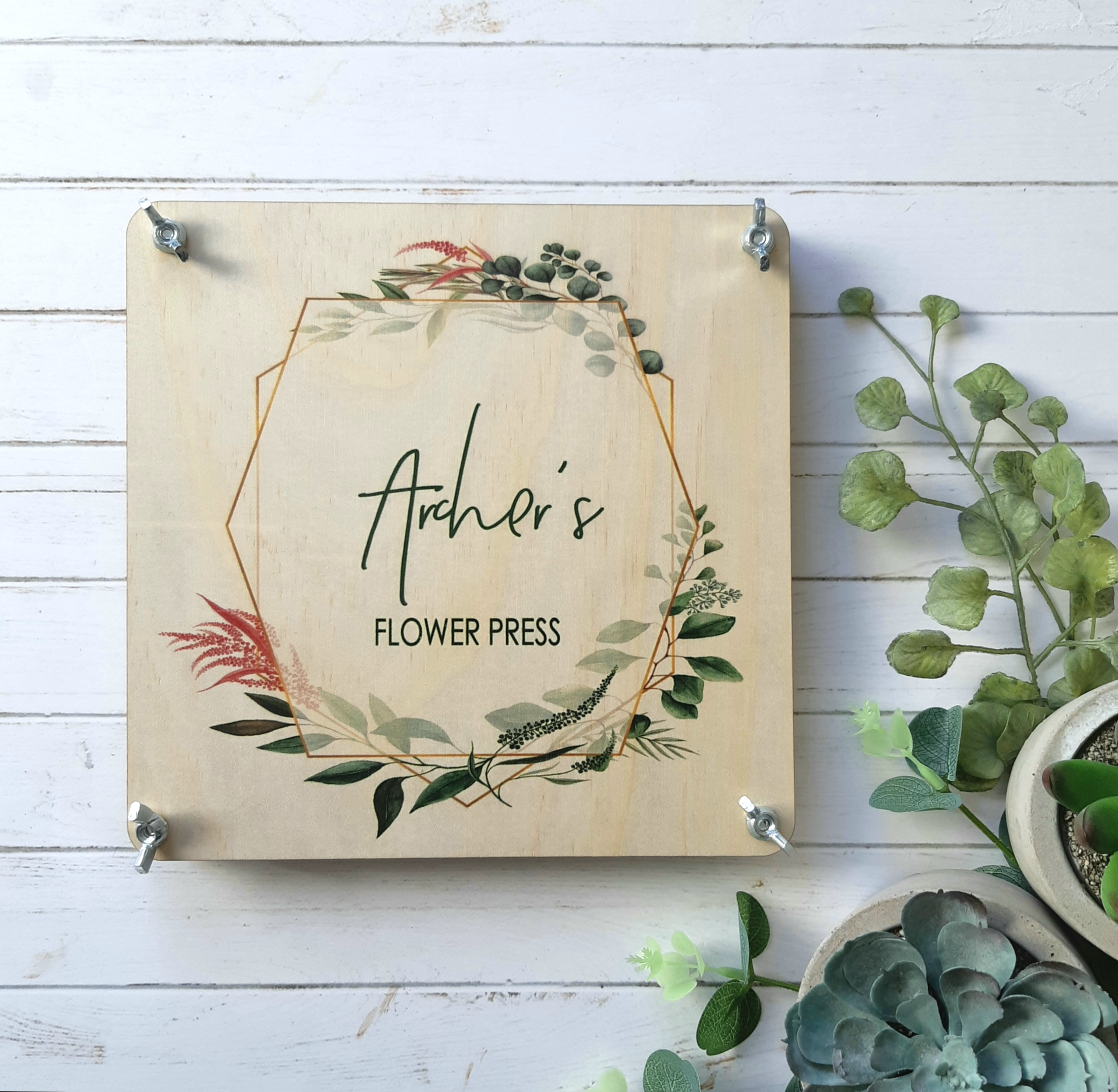 Personalised with your nature lovers name, this flower press will make a treasured keepsake.