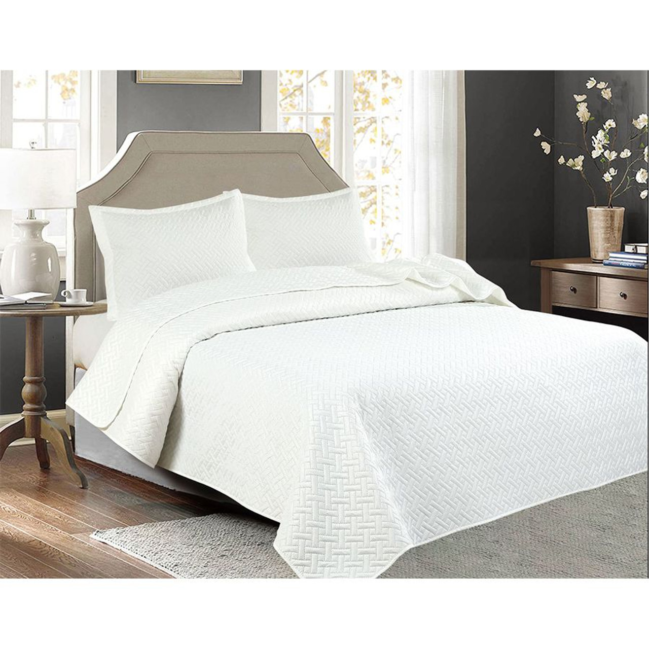 3 PCS Squared Stitched Pinsonic Reversible Oversized Bedspread White Color