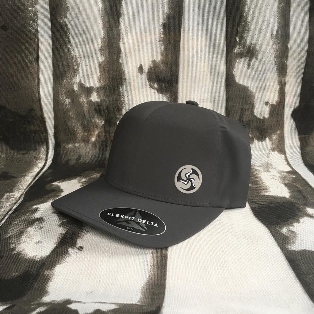 Mini TriFly Patch Flexfit Delta hat charcoal gray