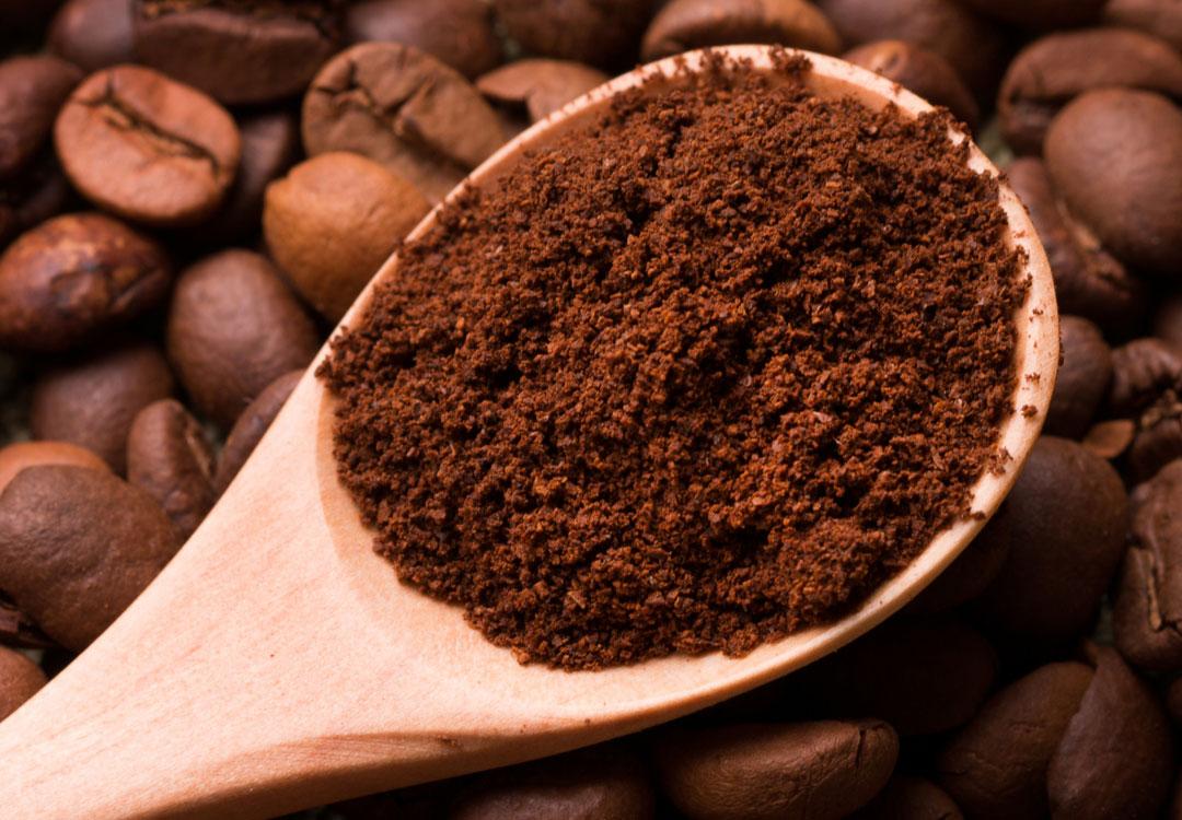 Custom blending of coffee and tea ingredients.