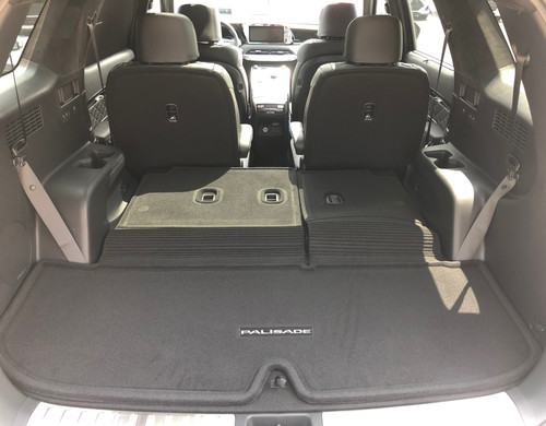 2020-2022 Hyundai Palisade Carpeted Cargo Mat with Seat Back Protection