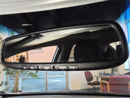 Hyundai Elantra Auto Dimming Mirror