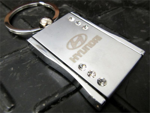 Hyundai Keychain - Square with Crystals (N030)