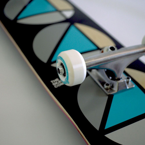 4 SKATEBOARD COMPANY Repeat Teal Black Complete Skateboard 7.75