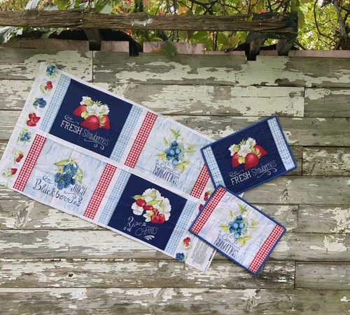 """""""Berry Sweet"""" Placemat Kit"""