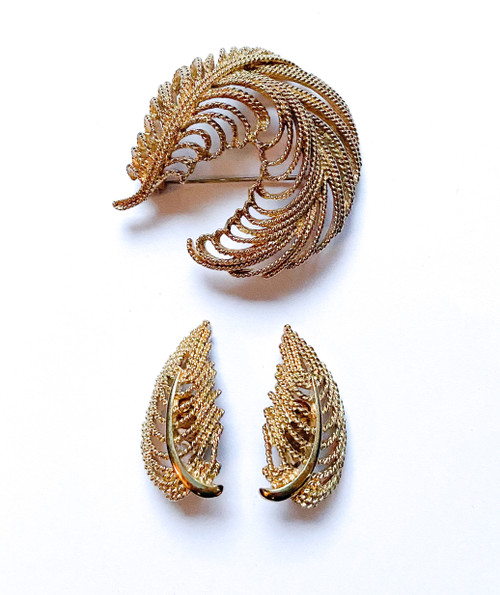 Vintage 60's MONET Gold Feather Brooch & Clip Earring Set