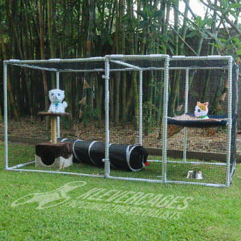 Diy portable cat enclosures kit from Klever Cages for indoor or outdoor cat enclosure using Klever Connectors 3way, ltee, snapclamps and hinges