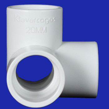 Side view of a 20mm L-Tee PVC fitting from Klever Cages Australia. A perfect connector for building dog agility jumps, garden protection and for pet/cat enclosures.