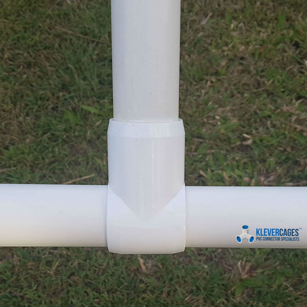 An example of a 20mm Slip tee from Klever Cages when you do not want to cut the PVC pipe from Klever Cages
