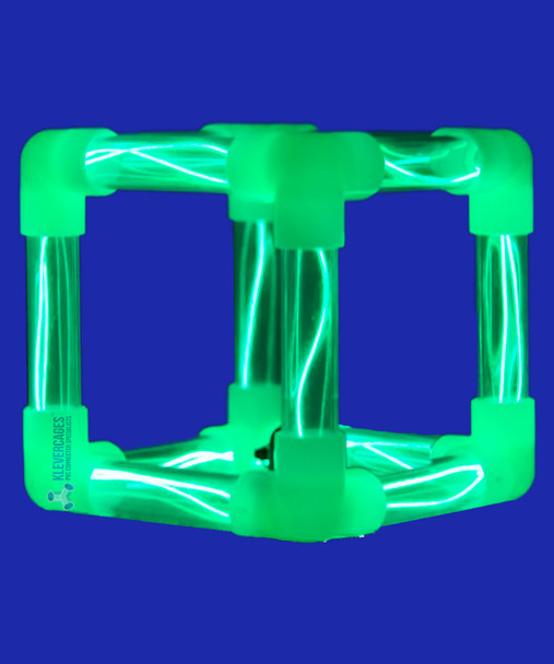 Glow in the dark cube with glow connectors, clear pipe and green led light rope from Klever Cages