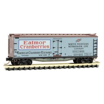 Micro Trains 049 00 820 N Scale Eatmor Cranberries Farm to Table Boxcar 3