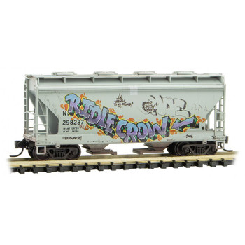 Micro Trains N Scale 092 44 470 NDYX Graffitied Weathered 2 Bay Covered Hooper