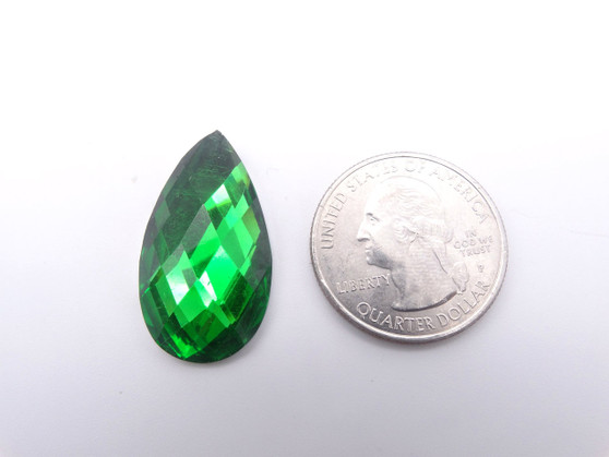 50 Pieces - 16 x 30 mm Teardrop Stone - Green