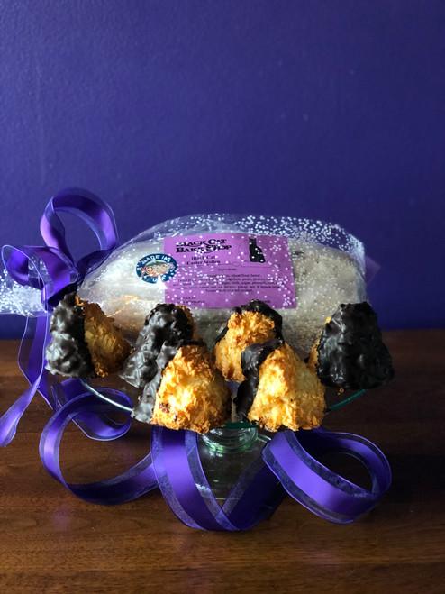 Easter Stollen & Coconut Macaroon Combo Box