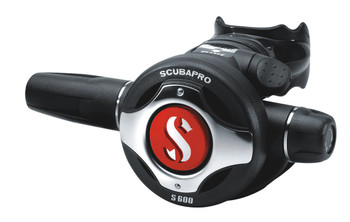 Scubapro S600 with red color cover installed