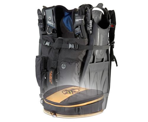 Akona Globetrotter Bag - Akona Pro Regulator Bag fits nicely on the bottom for your regulators and dive computer. Regulator bag sold seperately