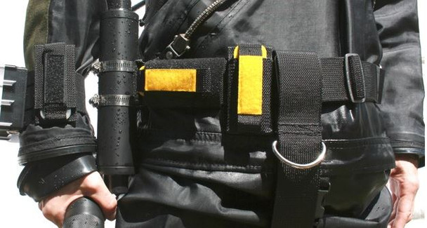 Shows Flexi / Shoulder Mount and Webbing Mount on BCD waist band