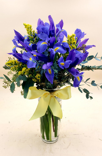 Enchanting Iris Bouquet