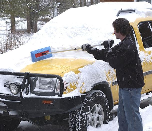 SnoBrum - removing snow on car 3