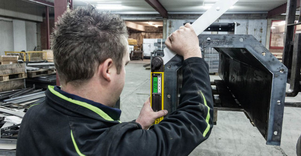 "Stabila Tech 700 DA Digital Angle Finder 18"" - workshop example 2"