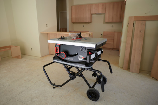 Jobsite Saw with Mobile Cart
