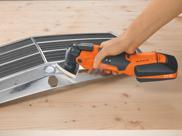 Fein Cordless MultiMaster AMM 500 Plus Top cleaning a car grill